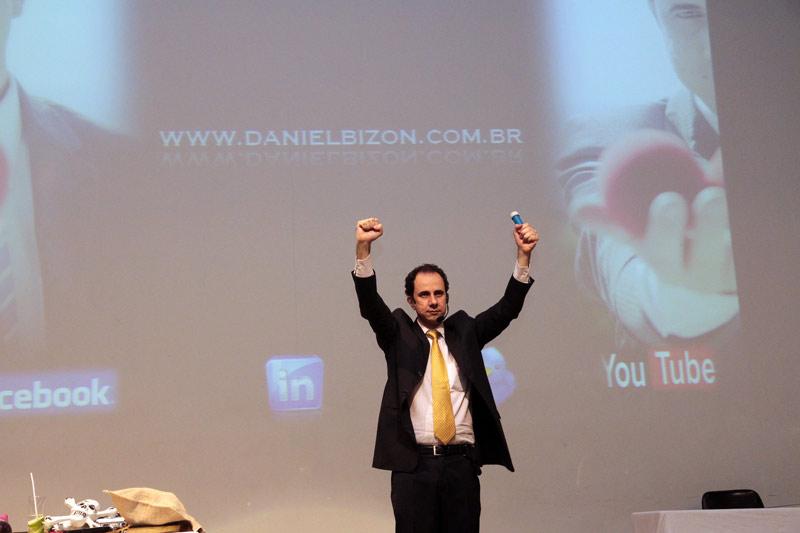 Temas Das Palestras Motivacionais Com Mágica De Daniel Bizon