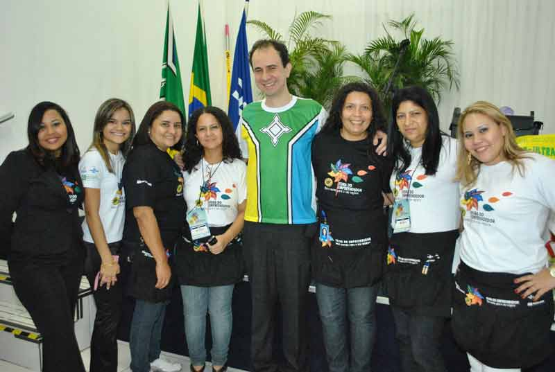 Palestrante Daniel Bizon com a equipe do Sebrae Amapá