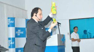 Palestrante Daniel Bizon abre palestra no Amapá com mágica