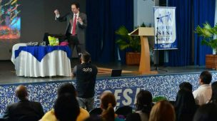 Palestra motivacional com Daniel Bizon no Sesi de Roraima