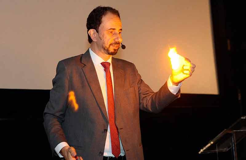 Palestra para jovens com um dos melhores palestrantes do Brasil