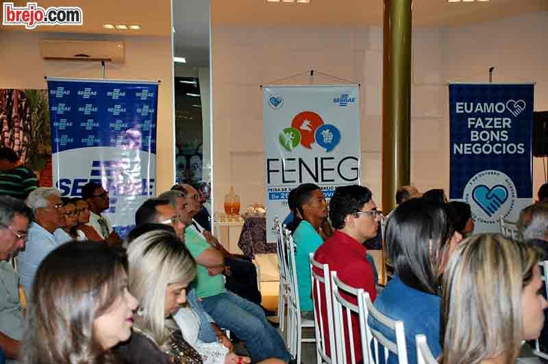 Público prestigia a palestra de Daniel Bizon